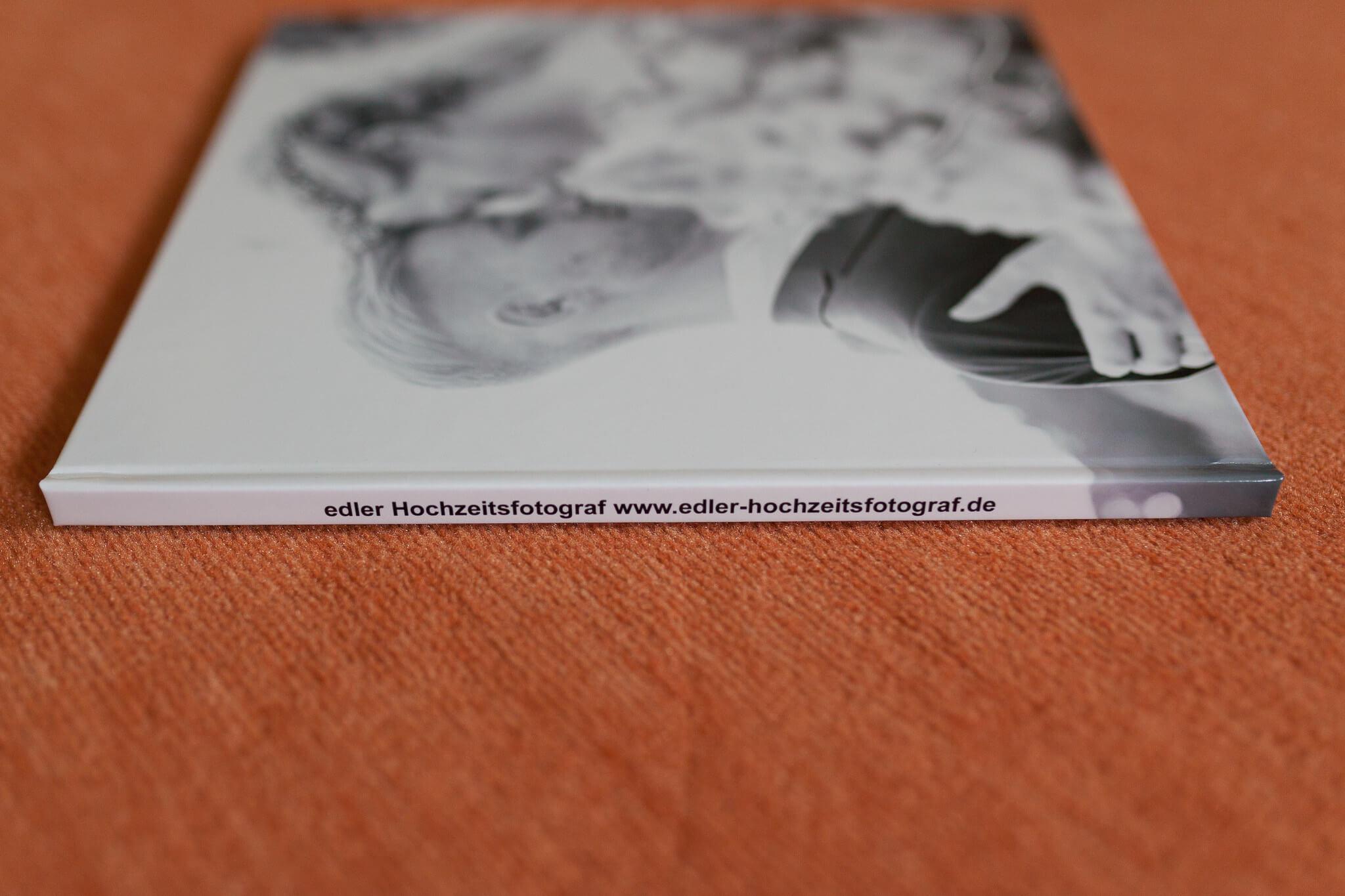 test-fotobuch-saal-digital-edler-hochzeitsfotograf.de